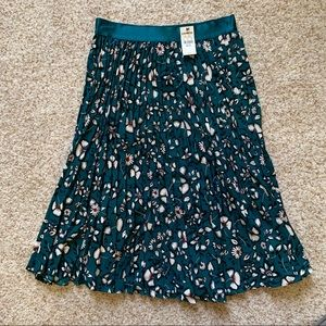 NWT Express Floral Pleated Midi Skirt XS